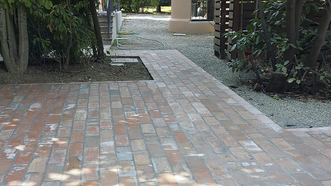 Pavimentazione privato bellesia scavi