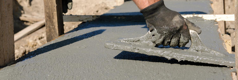 Stesura del cemento calce muro Bellesia scavi
