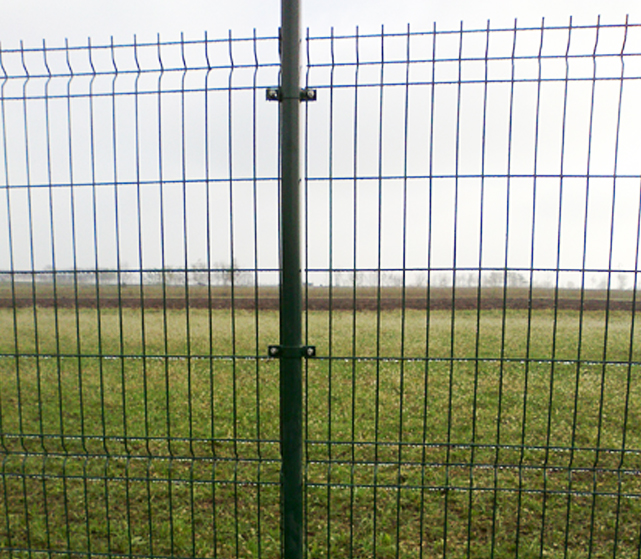 Recinzione terreno privato e aziendale Bellesia scavi