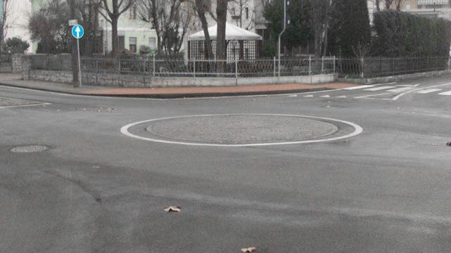 Incrocio modifica viabilità rotonda asfalto Bellesia scavi