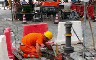 miniescavatore modifiche stradali bellesia scavi