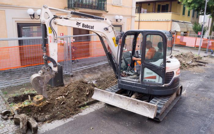 Bellesia scavi teatro rio saliceto pavimentazione asfalto fognature