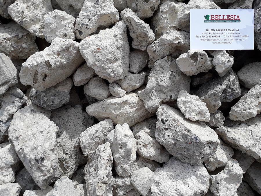 Riciclato di cemento 0/80 - stoccaggio, recupero e vendita materiali inerti - Bellesia scavi