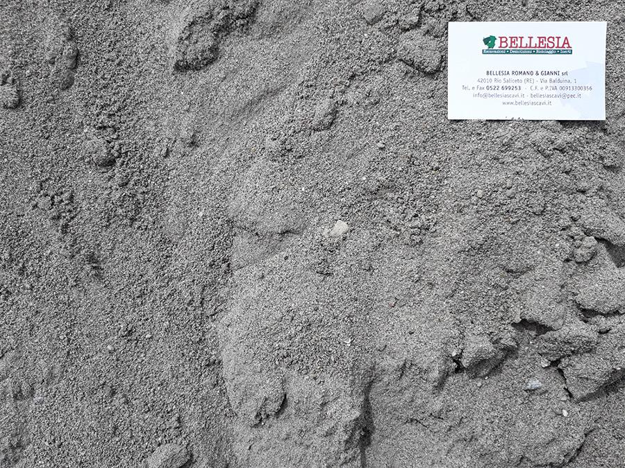 Sabbia di cava - stoccaggio, recupero e vendita materiali inerti - Bellesia scavi