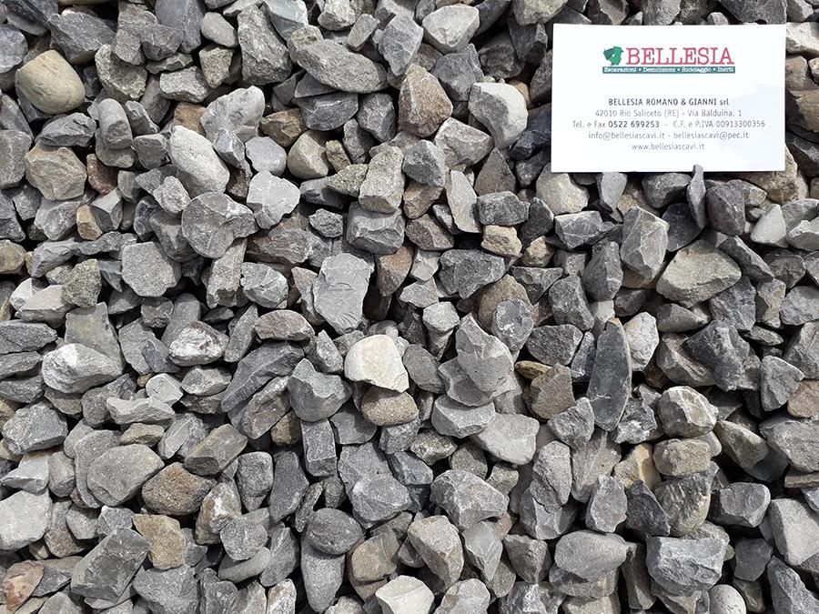 Spaccato 10/20 - stoccaggio, recupero e vendita materiali inerti - Bellesia scavi