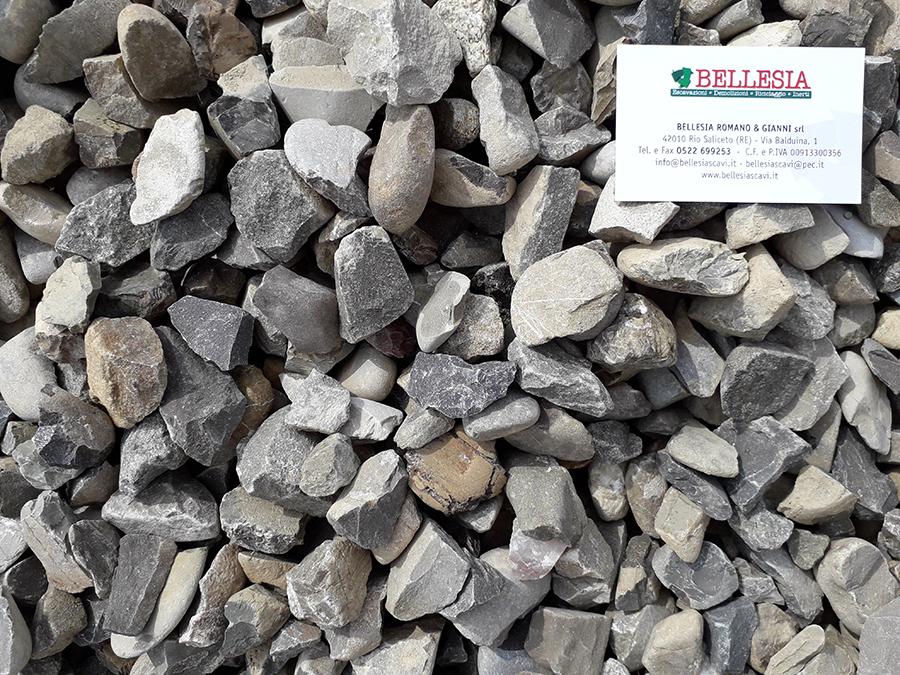 Spaccato 15/30 - stoccaggio, recupero e vendita materiali inerti - Bellesia scavi