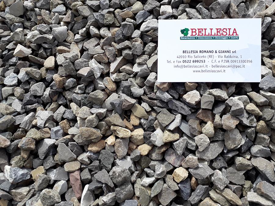 Spaccato 8/12 - stoccaggio, recupero e vendita materiali inerti - Bellesia scavi
