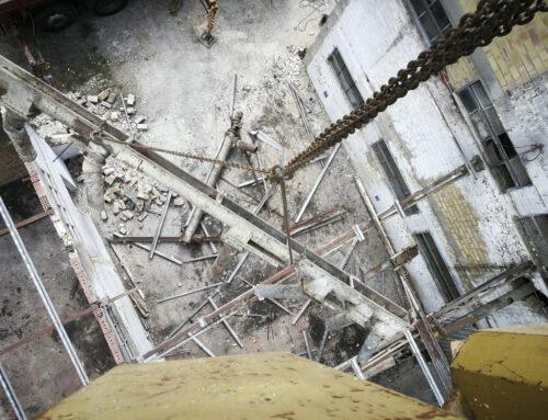 Bibbiano: demolizione di una ex porcilaia di 10.000 mc